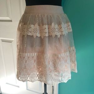 ASTR LACE SKIRT